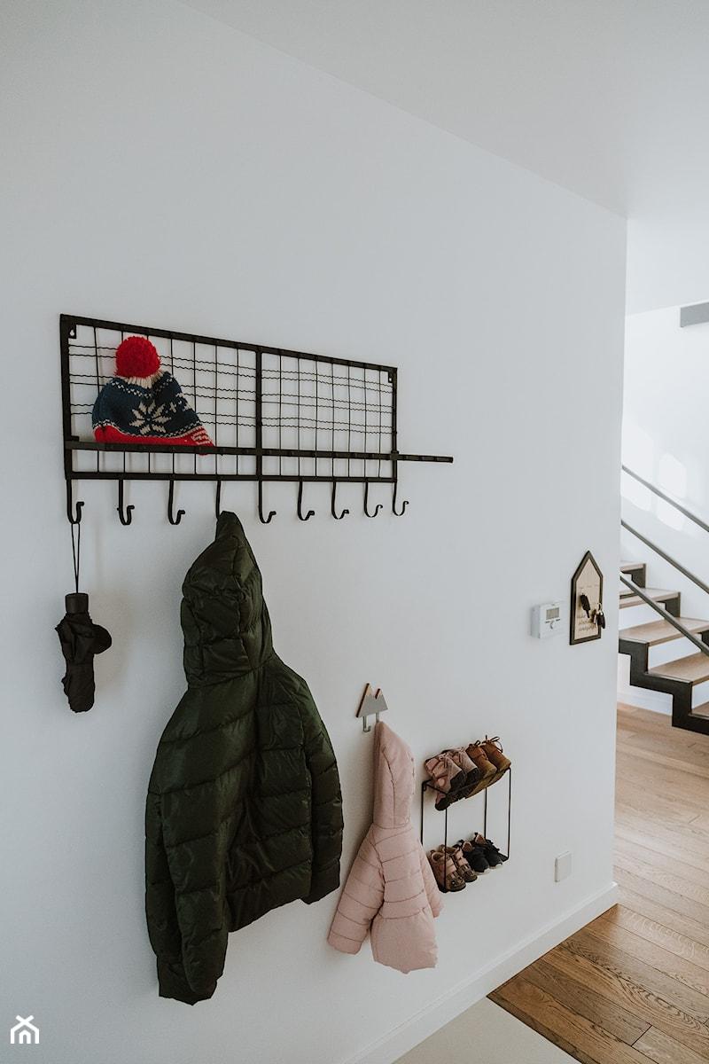 Konkurs O!Twórz Mieszkanie - Hol / przedpokój, styl skandynawski - zdjęcie od Porta Drzwi