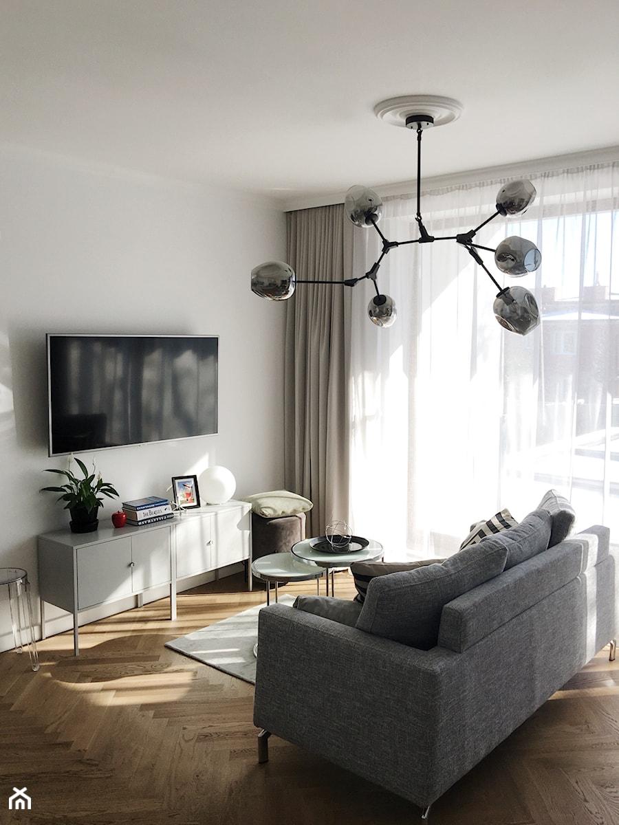 Konkurs O!Twórz Mieszkanie - Mały szary salon, styl nowoczesny - zdjęcie od Porta Drzwi