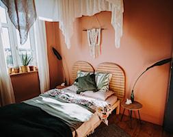 Konkurs O!Twórz Mieszkanie - Mała pomarańczowa sypialnia małżeńska, styl eklektyczny - zdjęcie od Porta Drzwi