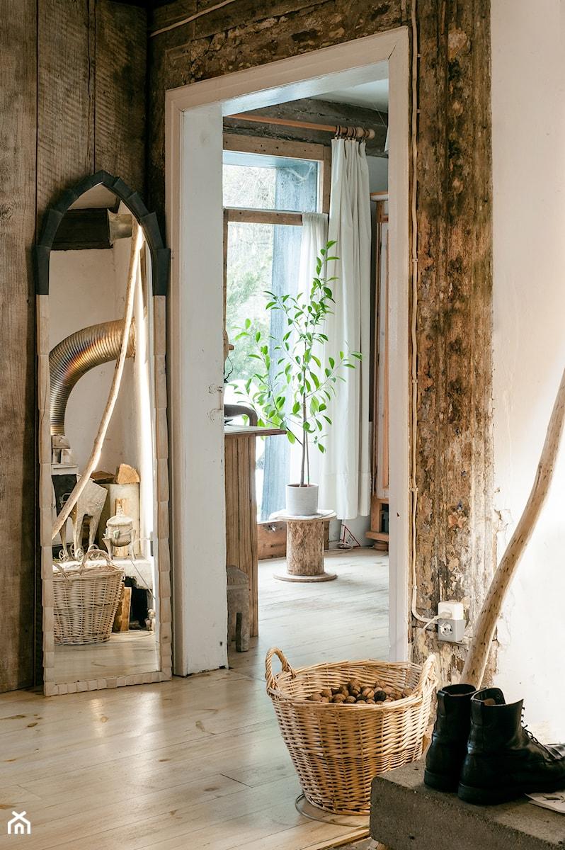 Konkurs O!Twórz Mieszkanie - Średni szary hol / przedpokój, styl rustykalny - zdjęcie od Porta Drzwi