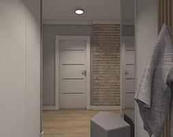 MIESZKANIE W CIEPŁYCH ODCIENIACH NATURY - Średni biały szary hol / przedpokój, styl minimalistyczny - zdjęcie od KRET'''KA PRACOWNIA PROJEKTOWA