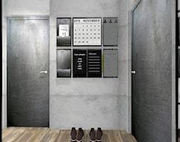 MIESZKANIE W MĘSKIM STYLU - Mały hol / przedpokój, styl industrialny - zdjęcie od KRET'''KA PRACOWNIA PROJEKTOWA