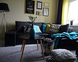 #KOLOROWEwnetrzeLEGRAND - Średni żółty salon - zdjęcie od Basia Mońka