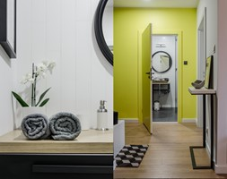 MIESZKANIE W CENTRUM GDAŃSKA - Średni biały żółty hol / przedpokój, styl industrialny - zdjęcie od CS HOME