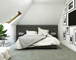 Dom Gdańsk Osowa 2 - Średnia biała szara sypialnia małżeńska na poddaszu, styl nowoczesny - zdjęcie od Studio 23A - Homebook