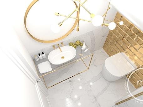 Aranżacje wnętrz - Łazienka: Projekt łazienki, Tarnów, 2018 - Mała biała szara łazienka na poddaszu w bloku w domu jednorodzinnym bez okna, styl nowoczesny - M&M pracownia projektowania wnętrz. Przeglądaj, dodawaj i zapisuj najlepsze zdjęcia, pomysły i inspiracje designerskie. W bazie mamy już prawie milion fotografii!