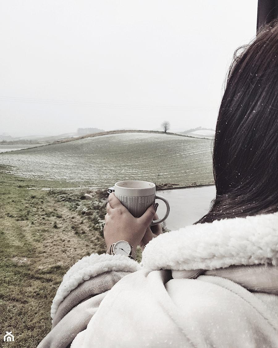 Aranżacje wnętrz - Taras: Świątecznie z Oliv. - Taras, styl skandynawski - oliv.home. Przeglądaj, dodawaj i zapisuj najlepsze zdjęcia, pomysły i inspiracje designerskie. W bazie mamy już prawie milion fotografii!