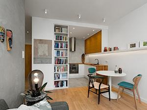 Mieszkanie dla singla - Średnia otwarta szara jadalnia w salonie - zdjęcie od Kąty Proste - Fotografia Wnętrz i Architektury