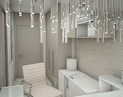 Klinika Medycyny Estestycznej - Małe beżowe szare białe biuro domowe kącik do pracy w pokoju, styl glamour - zdjęcie od DEZEEN ARCHITEKCI Natalia Pęcka