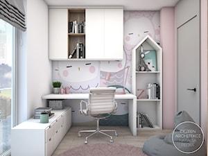 Dziecięce pokoiki dla dziewczynek - Mały biały różowy pokój dziecka dla chłopca dla dziewczynki dla ucznia dla nastolatka, styl nowoczesny - zdjęcie od DEZEEN ARCHITEKCI Natalia Pęcka