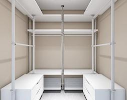 Aranżacja mieszkania, Gdynia osiedle Fort Forest - Średnia zamknięta garderoba przy sypialni - zdjęcie od Szlachta Pracownia Projektowa