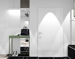 MIESZKANIE W KRAKOWIE_68m2 - Średni biały hol / przedpokój, styl minimalistyczny - zdjęcie od 91m2 Architektura Wnętrz