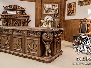 Gabinet w stylu gdańskim - biuro prezesa w starym stylu - zdjęcie od MebS / MEBLE GDAŃSKIE - Pracownia Rzeźbiarska