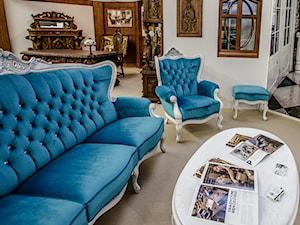 Stylowy komplet wypoczynkowy w stylu ludwikowskim z kryształkami swarovskiego - zdjęcie od MebS / MEBLE GDAŃSKIE - Pracownia Rzeźbiarska