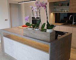 Autorski projekt i wykonanie mebli kuchennych bez uchwytów - zdjęcie od ArchLine - Homebook