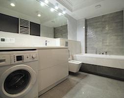 Długa Apartament - Duża łazienka w bloku w domu jednorodzinnym bez okna - zdjęcie od OPEN HOUSE INVEST