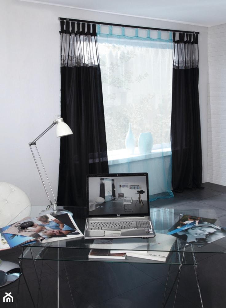 Aranżacje - Małe białe biuro kącik do pracy, styl nowoczesny - zdjęcie od MARDOM HOME