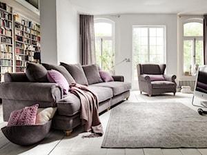Stwórz stylowy salon z sofami Chelsea PRIMAVERA FURNITURE - Duży biały salon, styl włoski - zdjęcie od Primavera Furniture