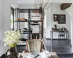 Forest in home - Średnie białe biuro pracownia kącik do pracy, styl eklektyczny - zdjęcie od bogusias_dream