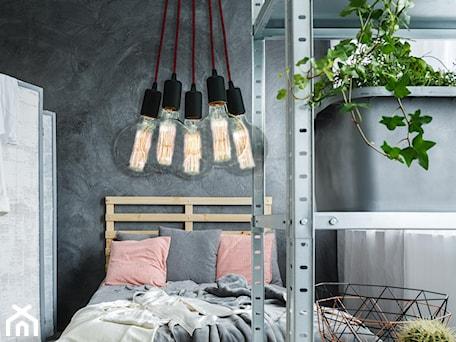 Aranżacje wnętrz - Sypialnia: Lampa wisząca Modern - Lampex - producent oświetlenia. Przeglądaj, dodawaj i zapisuj najlepsze zdjęcia, pomysły i inspiracje designerskie. W bazie mamy już prawie milion fotografii!