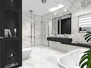 Marmurkowa łazienka w stylu glamour - Duża łazienka w bloku w domu jednorodzinnym z oknem, styl glamour - zdjęcie od DOMdecor Studio Klaudiusz Klepacki