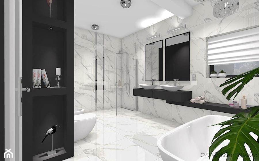 Aranżacje wnętrz - Łazienka: Marmurkowa łazienka w stylu glamour - Duża łazienka w bloku w domu jednorodzinnym z oknem, styl glamour - DOMdecor Studio Klaudiusz Klepacki. Przeglądaj, dodawaj i zapisuj najlepsze zdjęcia, pomysły i inspiracje designerskie. W bazie mamy już prawie milion fotografii!
