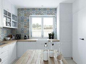 KUCHNIA. Tymienice - Średnia zamknięta biała szara kuchnia w kształcie litery l z oknem, styl skandynawski - zdjęcie od Projekt M pracownia architektoniczna