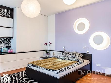 Aranżacje wnętrz - Pokój dziecka: Wilanowski Apartament - Duży biały niebieski czarny pokój dziecka dla dziewczynki dla nastolatka, styl nowoczesny - TiM Grey Projektowanie Wnętrz. Przeglądaj, dodawaj i zapisuj najlepsze zdjęcia, pomysły i inspiracje designerskie. W bazie mamy już prawie milion fotografii!
