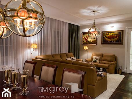 Aranżacje wnętrz - Salon: Klasyczne 230m2 - Salon, styl klasyczny - TiM Grey Projektowanie Wnętrz. Przeglądaj, dodawaj i zapisuj najlepsze zdjęcia, pomysły i inspiracje designerskie. W bazie mamy już prawie milion fotografii!