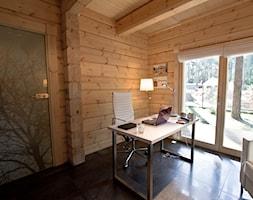 Nowoczesny Dom z finskiego bala - Średnie biuro kącik do pracy w pokoju, styl skandynawski - zdjęcie od TiM Grey Projektowanie Wnętrz
