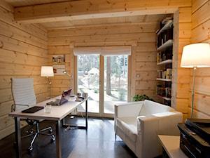Nowoczesny Dom z finskiego bala - Średnie biuro domowe w pokoju, styl skandynawski - zdjęcie od TiM Grey Projektowanie Wnętrz