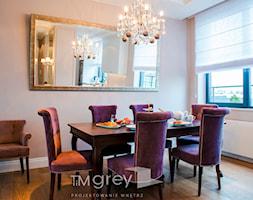 Nowojorski Apartament - Mała otwarta szara jadalnia w salonie, styl nowojorski - zdjęcie od TiM Grey Projektowanie Wnętrz