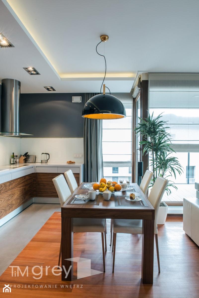 Wilanowski Apartament - Średnia otwarta biała jadalnia w kuchni, styl nowoczesny - zdjęcie od TiM Grey Projektowanie Wnętrz