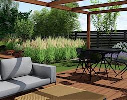 Ogród przy bliźniaku - Duży ogród za domem z pergolą - zdjęcie od Naturalnie Studio - pracownia architektury krajobrazu