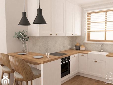 Dom w Żurawnikach koło Lublina - Mała otwarta szara kuchnia w kształcie litery l z oknem, styl rustykalny - zdjęcie od COMFY LIFE
