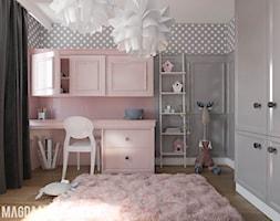 POKOIK DZIECIĘCY DLA DZIEWCZYNKI - Mały szary różowy pokój dziecka dla dziewczynki dla ucznia dla malucha dla nastolatka, styl nowoczesny - zdjęcie od Magda Mikołajczyk PRACOWNIA PROJEKTOWANIA WNĘTRZ