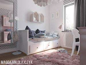 POKOIK DZIECIĘCY DLA DZIEWCZYNKI - Mały biały szary pokój dziecka dla chłopca dla dziewczynki dla ucznia dla nastolatka, styl nowoczesny - zdjęcie od Magda Mikołajczyk PRACOWNIA PROJEKTOWANIA WNĘTRZ