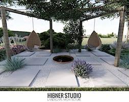 Ogród przy nowoczesnej rezydencji, Ciechocinek - Duży ogród za domem z huśtawką, styl nowoczesny - zdjęcie od Hibner Studio Pracownia Architektury Krajobrazu