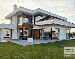 Nowoczesny+dom+i+elewacja+-+zdj%C4%99cie+od+Hibner+Studio+Pracownia+Architektury+Krajobrazu