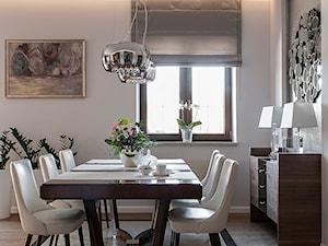 Metamorfoza salonu we Wrocławiu - Średnia zamknięta biała jadalnia jako osobne pomieszczenie, styl tradycyjny - zdjęcie od Finchstudio Architektura Wnętrz