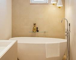Apartament inspirowany Paryżem - Łazienka - zdjęcie od Finchstudio Architektura Wnętrz - Homebook