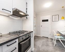 Sesja foto mieszkania inwestycyjnego na sprzedaż - Kuchnia, styl nowoczesny - zdjęcie od WITTWÓRNIA: Robert Witt - Homebook