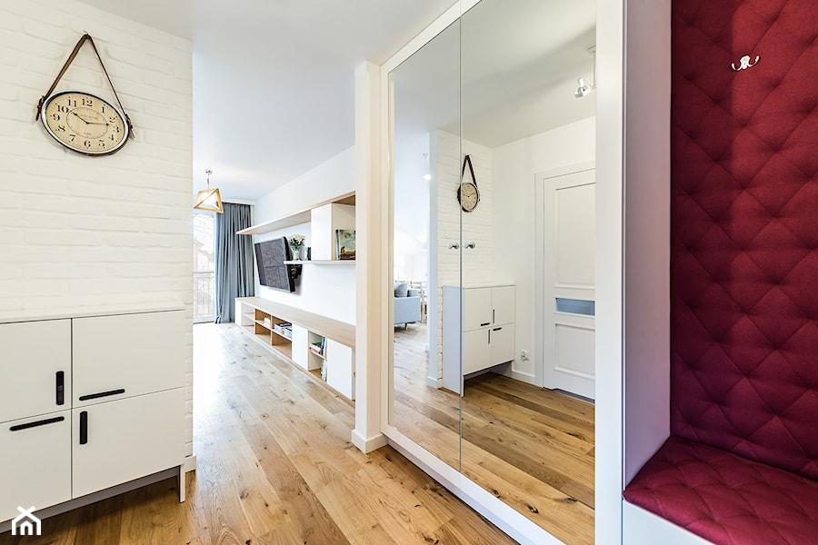Sesja foto mieszkania na wynajem_Gdańsk Wrzeszcz - Średni beżowy hol / przedpokój, styl skandynawski - zdjęcie od WITTWÓRNIA: Robert Witt
