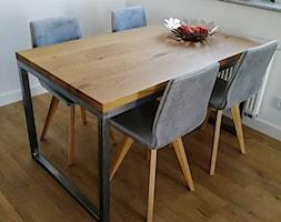 Stół z metalową podstawą - zdjęcie od szpakdesign