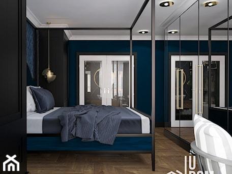 Aranżacje wnętrz - Sypialnia: Nastrojowa sypialnia w Krakowie - Średnia niebieska sypialnia małżeńska, styl eklektyczny - UDOMOWIENI. Przeglądaj, dodawaj i zapisuj najlepsze zdjęcia, pomysły i inspiracje designerskie. W bazie mamy już prawie milion fotografii!
