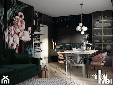 Aranżacje wnętrz - Salon: Ciemny salon z flamingiem - UDOMOWIENI. Przeglądaj, dodawaj i zapisuj najlepsze zdjęcia, pomysły i inspiracje designerskie. W bazie mamy już prawie milion fotografii!