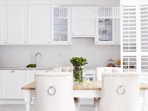Biała kuchnia w stylu klasycznym - zdjęcie od Buba Interior