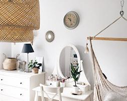 Zdjęcia mieszkania - Mała biała sypialnia małżeńska - zdjęcie od ania.home