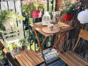 Meble na balkon: jakie wybrać? 10 pomysłów na meble balkonowe