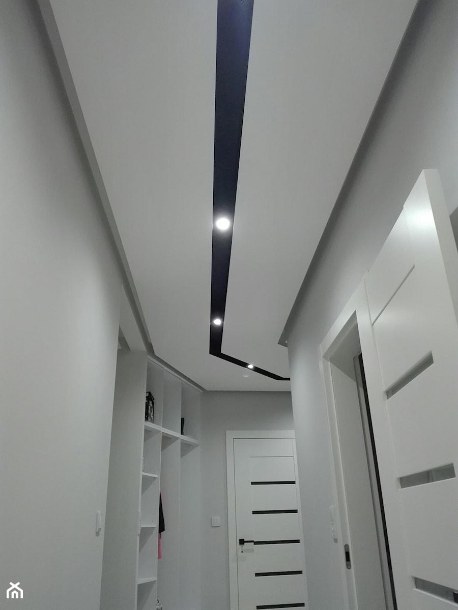 Średni szary hol / przedpokój, styl nowoczesny - zdjęcie od IZ-KAM Profesjonalne usługi remontowo-wykończeniowe